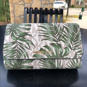 Michael kors small pouchtte crossbody palm leaves